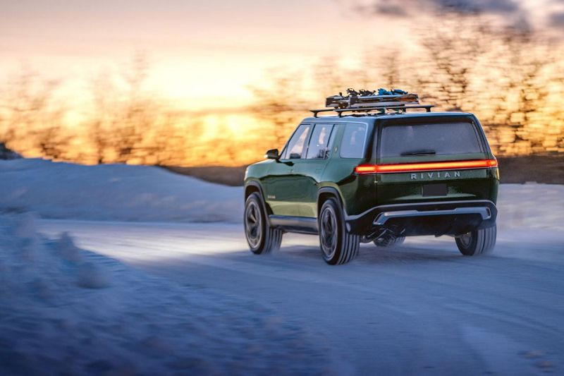 2021 Rivian R1s Release Date Base Style Color Options