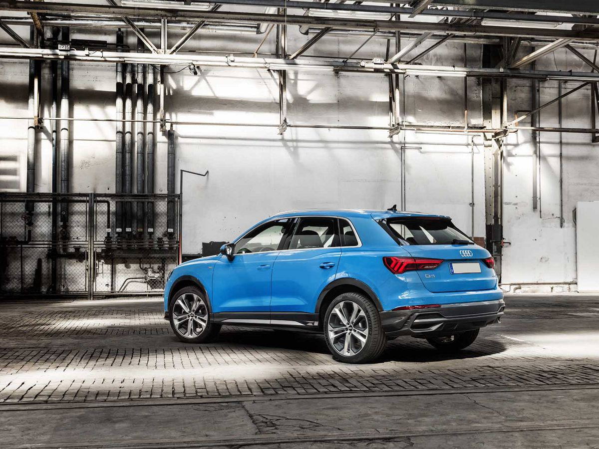 2021 Audi Q3 2018 Value Prestige Hybrid 45 Lease