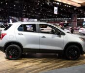 2021 Chevy Trax Pictures Storm Blue Metallic Track