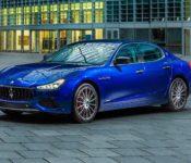 2021 Maserati Levante 2022 2020 Pictures Vs
