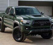 New 2022 Toyota Tundra Redesign Trd Spy Pics Photos Pickup Sunshade Oil Filter