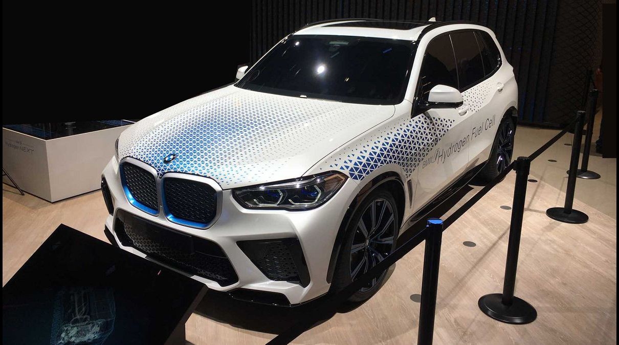 2022 Bmw X5 Competition Specs Vs Audi Q5 X50i Frame Light Logo